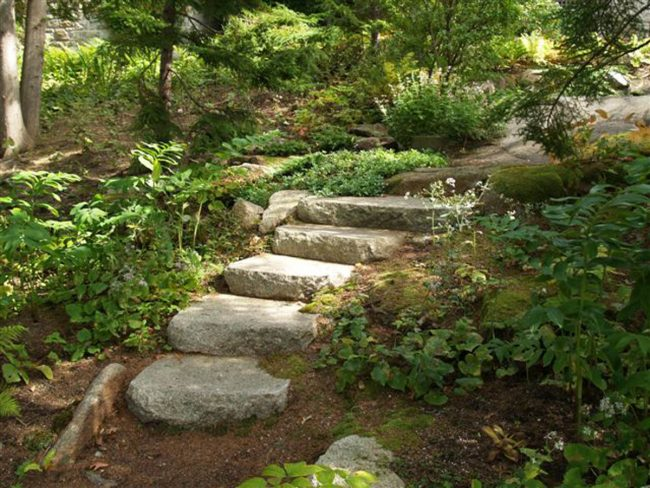 Rock face, weathered Freshwater Pearl granite steps