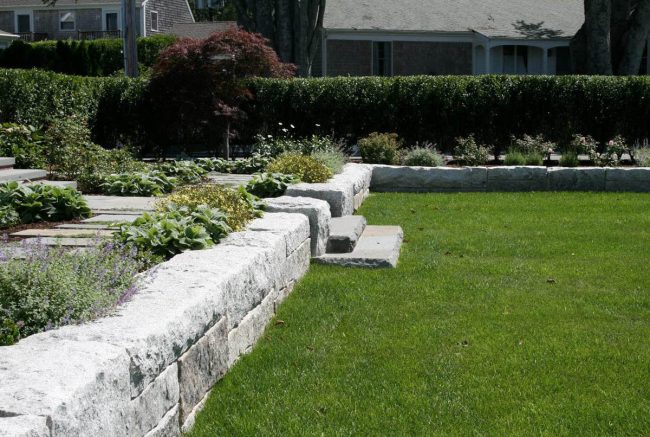 Rock face Freshwater Pearl granite retaining wall
