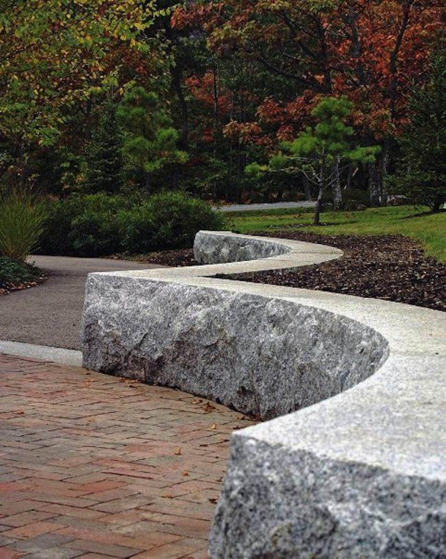 Jackson Laboratory Freshwater Pearl granite seat wall