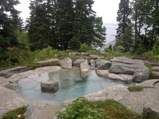 Weathered Freshwater Pearl granite hot tub