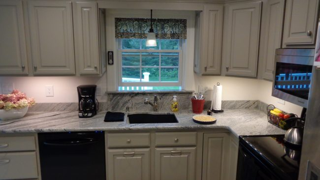 Polished Piracema granite countertop