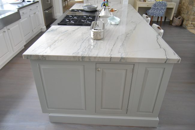 Polished Calacatta Quartzite with mitered edges
