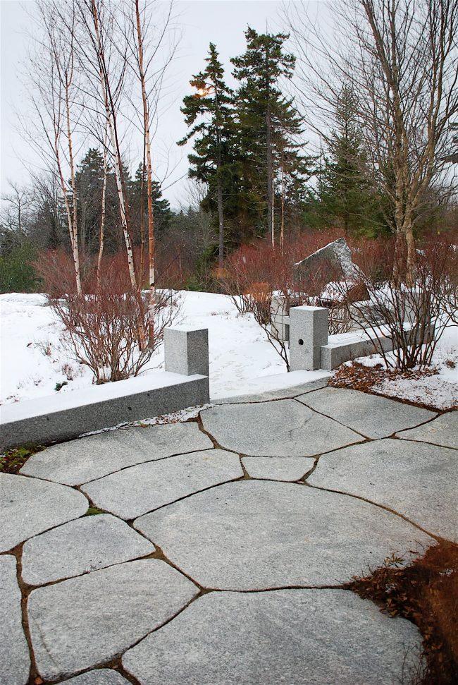 Irregular Freshwater Pearl granite pavers