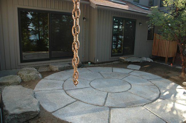 Circular-pattern Deer Isle granite pavers