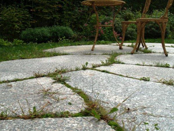 Close-up of Irregular Deer Isle granite pavers